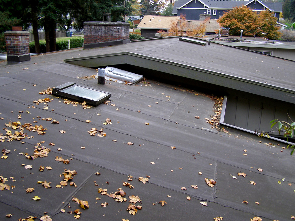 Hillside Roofing Rot Repair